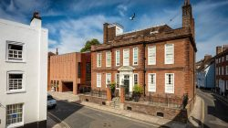 Pallant-House-Gallery-in-summer_Photograph-Chris-Ison-1600x1000 (002)